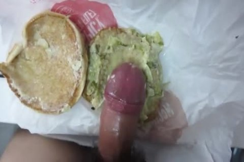 have a fun The Rich sperm Burger! Guten Appetit!