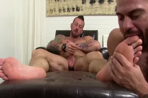 Hugh Hunter Getting Toe Licked while stroking His plump rod