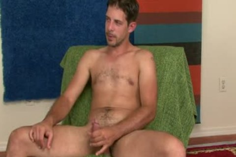 kinky Talk str8 Electrician Shows Stuff
