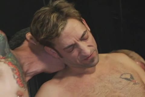 nasty guys kissing & sucking dicks