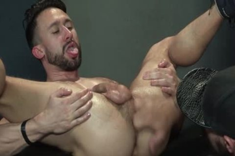Muscle Bear Foursome And sperm flow
