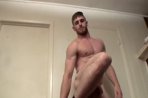 young Hunk Elijah Knight Pissing previous to Solo Masturbation