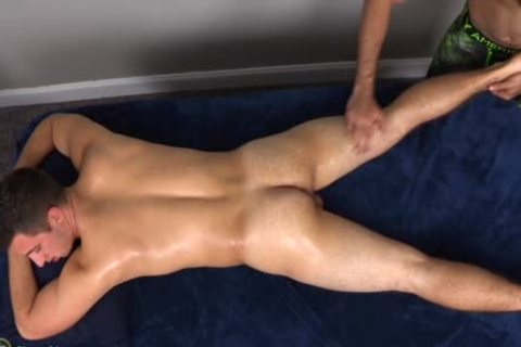 A arse banging Addicted Masseur acquires What he merits