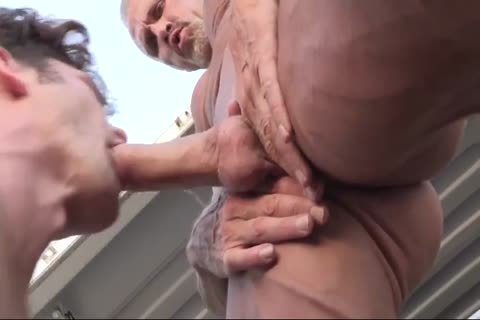 GayRoom Creeper Wakes Up Roommate With Uncut cock